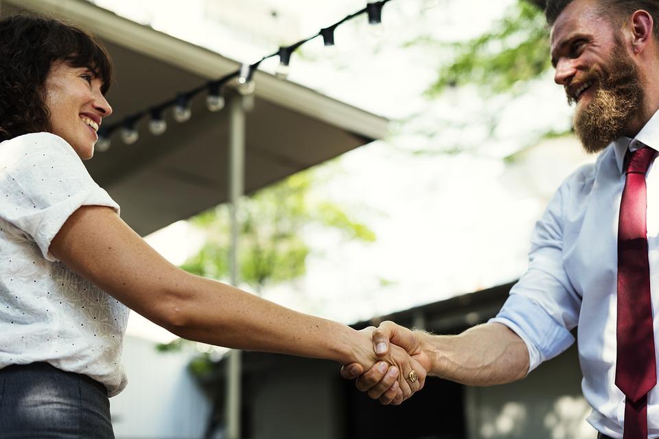 Como vender imóveis? Veja 5 dicas para transmitir confiança