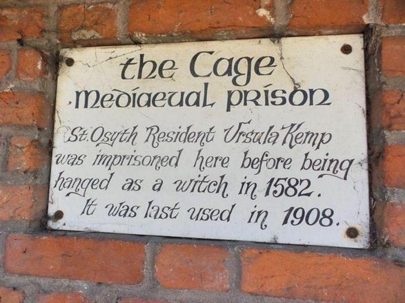 Sinistro! Mulher compra casa e descobre que o lugar era uma prisão medieval